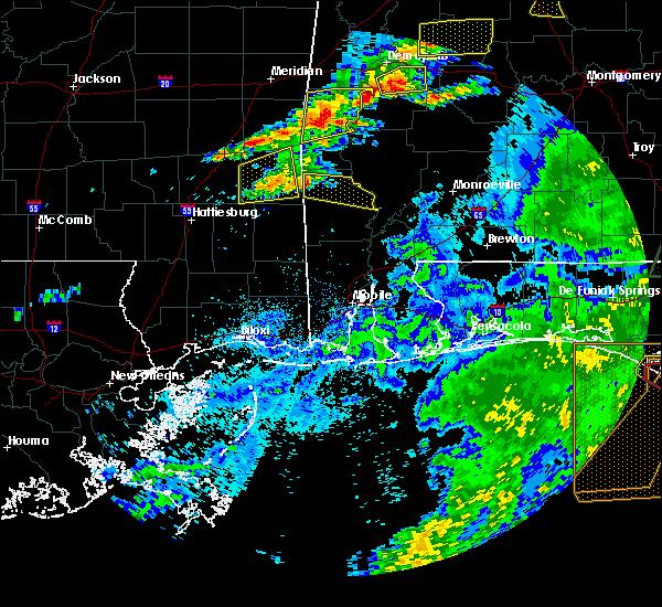 Radar Image for Severe Thunderstorms near Chatom, AL at 4/23/2020 4:29 PM CDT