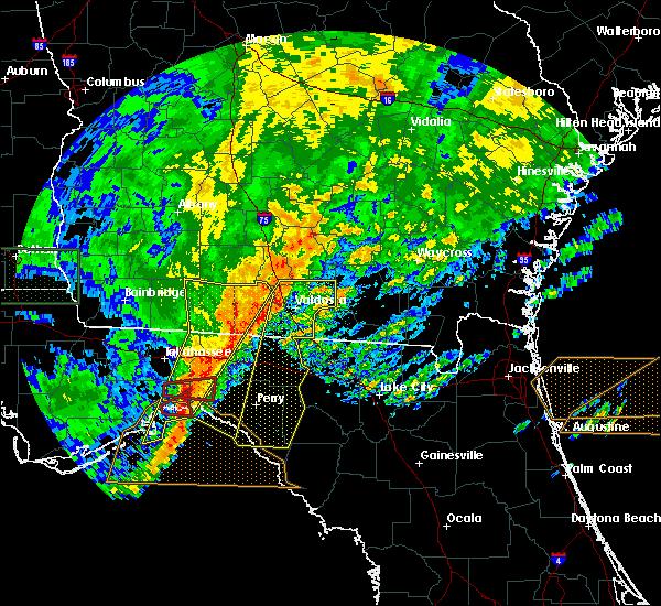 Radar Image for Severe Thunderstorms near Valdosta, GA at 4/23/2020 7:12 PM EDT