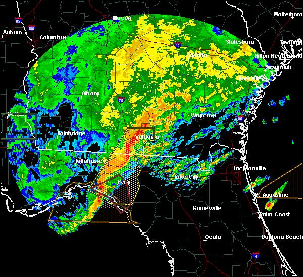 Radar Image for Severe Thunderstorms near Homerville, GA at 4/23/2020 7:40 PM EDT