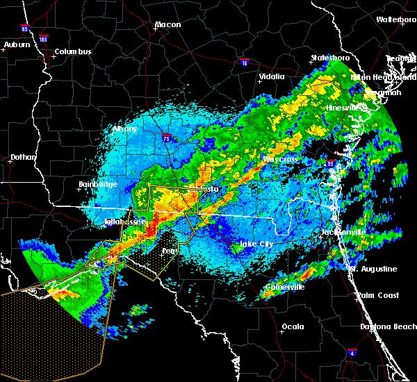 Radar Image for Severe Thunderstorms near Valdosta, GA at 4/24/2020 12:48 AM EDT