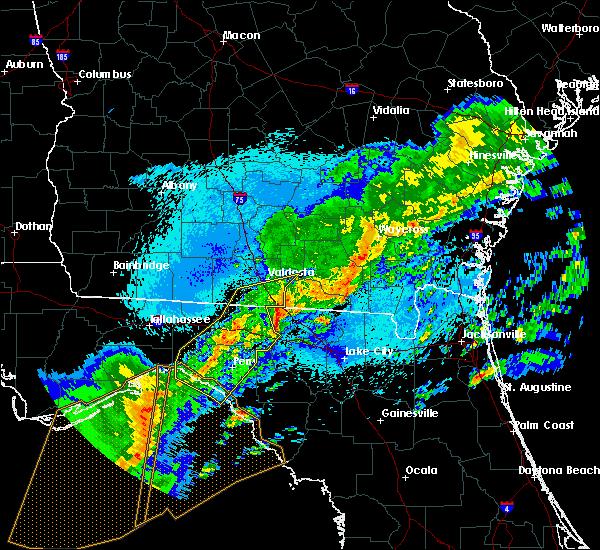 Radar Image for Severe Thunderstorms near Valdosta, GA at 4/24/2020 1:08 AM EDT