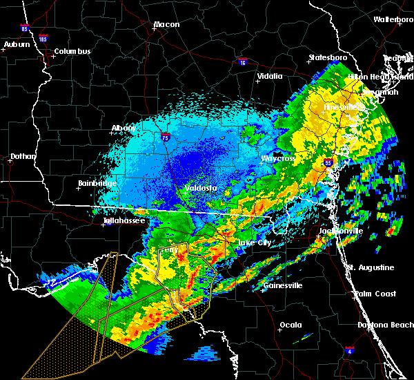 Radar Image for Severe Thunderstorms near Cross City, FL at 4/24/2020 2:25 AM EDT