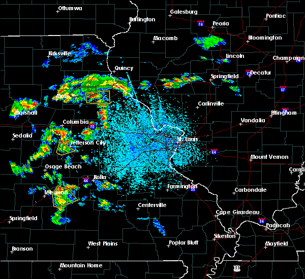 Radar Image for Severe Thunderstorms near Stoutsville, MO at 4/24/2020 2:44 PM CDT