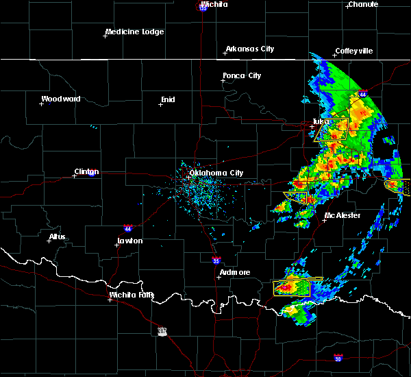 Radar Image for Severe Thunderstorms near Armstrong, OK at 4/24/2020 6:31 PM CDT
