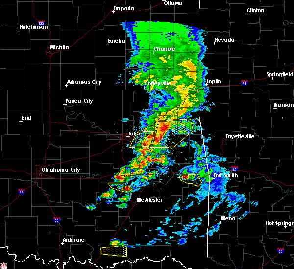 Radar Image for Severe Thunderstorms near Checotah, OK at 4/24/2020 6:34 PM CDT