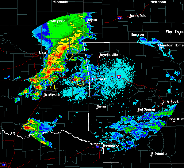 Radar Image for Severe Thunderstorms near Sallisaw, OK at 4/24/2020 6:40 PM CDT