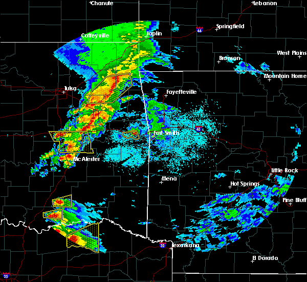 Radar Image for Severe Thunderstorms near Sallisaw, OK at 4/24/2020 6:56 PM CDT