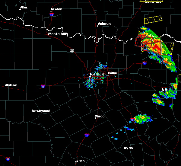 Radar Image for Severe Thunderstorms near Paris, TX at 4/24/2020 7:23 PM CDT