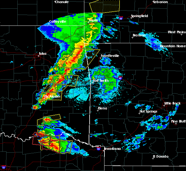 Radar Image for Severe Thunderstorms near Tamaha, OK at 4/24/2020 7:26 PM CDT