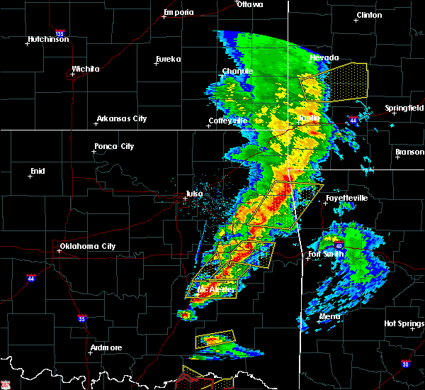 Radar Image for Severe Thunderstorms near Checotah, OK at 4/24/2020 7:28 PM CDT
