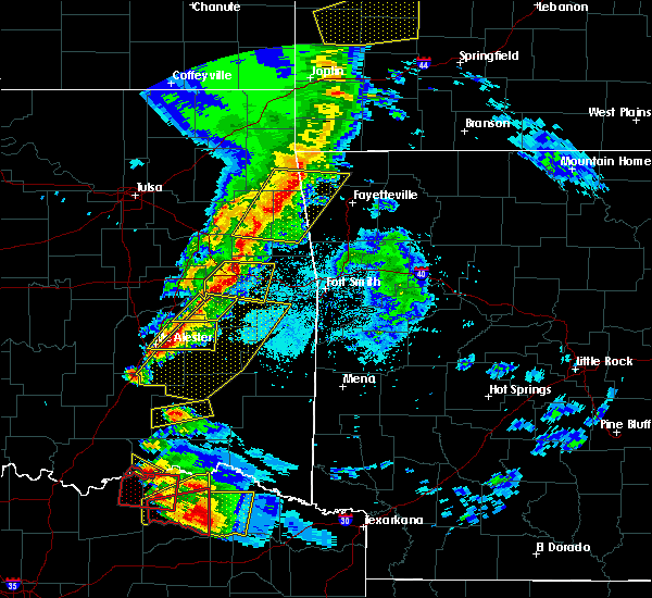 Radar Image for Severe Thunderstorms near Pittsburg, OK at 4/24/2020 7:33 PM CDT