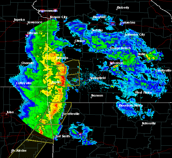 Radar Image for Severe Thunderstorms near South Greenfield, MO at 4/24/2020 7:48 PM CDT