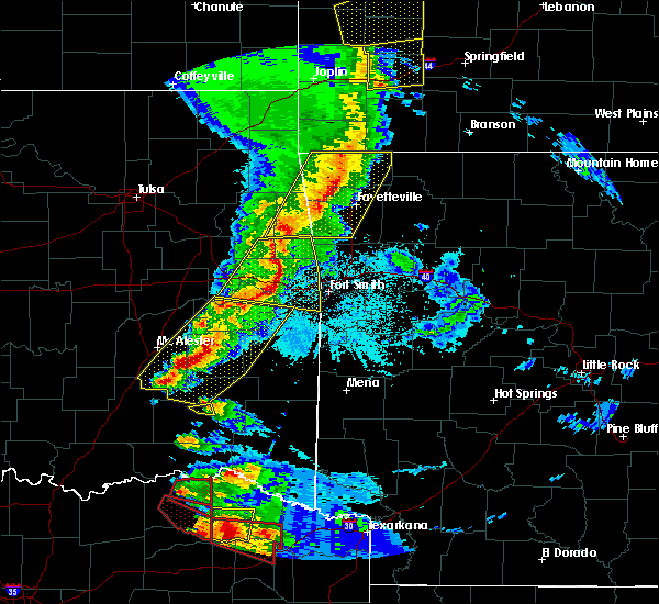 Radar Image for Severe Thunderstorms near Powderly, TX at 4/24/2020 7:53 PM CDT