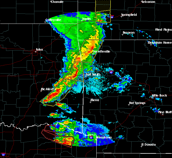 Radar Image for Severe Thunderstorms near Bethel Heights, AR at 4/24/2020 8:08 PM CDT