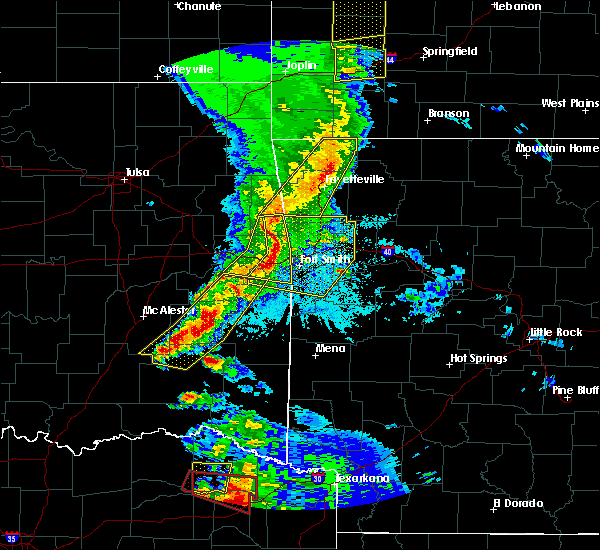 Radar Image for Severe Thunderstorms near Red Oak, OK at 4/24/2020 8:11 PM CDT