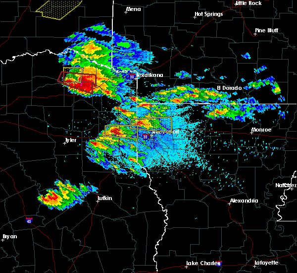 Radar Image for Severe Thunderstorms near Plain Dealing, LA at 4/24/2020 8:13 PM CDT