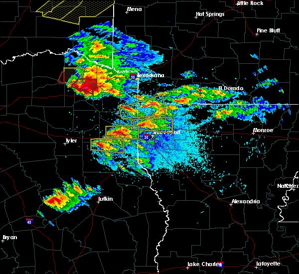 Radar Image for Severe Thunderstorms near Hughes Springs, TX at 4/24/2020 8:18 PM CDT