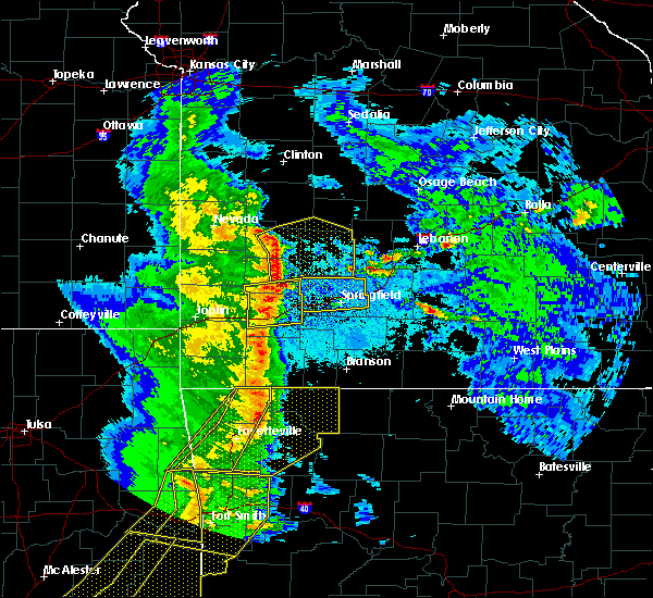 Radar Image for Severe Thunderstorms near Strafford, MO at 4/24/2020 8:25 PM CDT