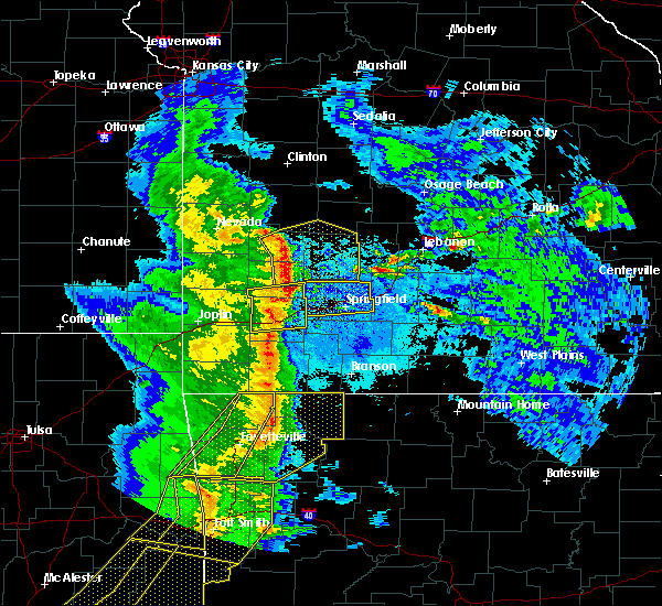 Radar Image for Severe Thunderstorms near South Greenfield, MO at 4/24/2020 8:28 PM CDT