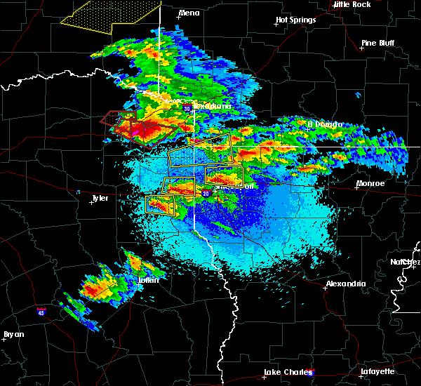 Radar Image for Severe Thunderstorms near Hughes Springs, TX at 4/24/2020 8:37 PM CDT