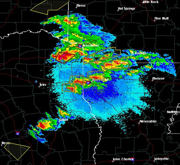 Radar Image for Severe Thunderstorms near Haynesville, LA at 4/24/2020 8:40 PM CDT