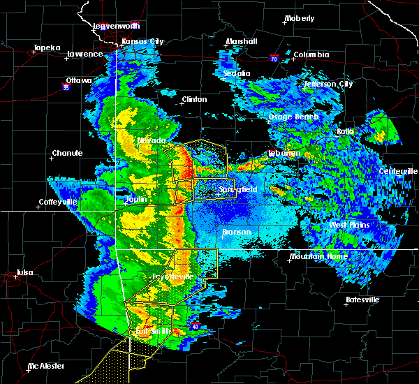 Radar Image for Severe Thunderstorms near South Greenfield, MO at 4/24/2020 8:39 PM CDT