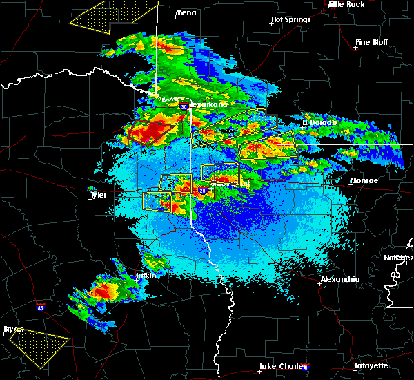 Radar Image for Severe Thunderstorms near Doyline, LA at 4/24/2020 8:46 PM CDT