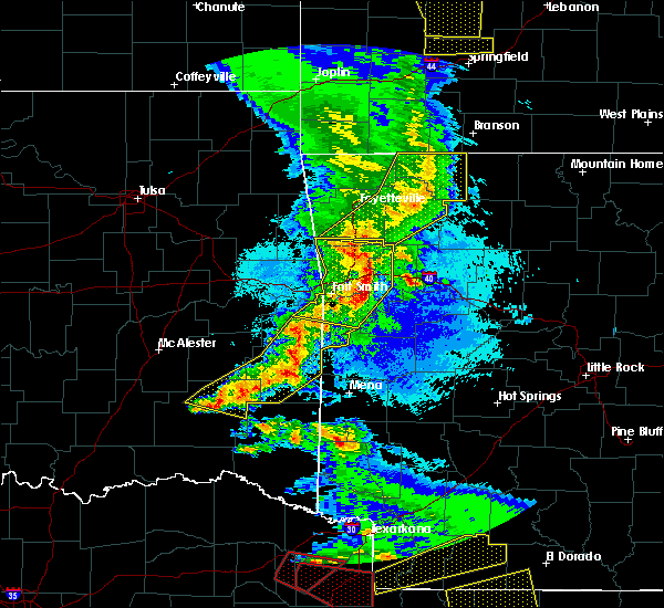Radar Image for Severe Thunderstorms near Ratcliff, AR at 4/24/2020 8:49 PM CDT
