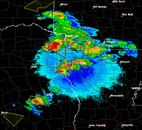 Radar Image for Severe Thunderstorms near Pleasant Hill, TX at 4/24/2020 8:56 PM CDT