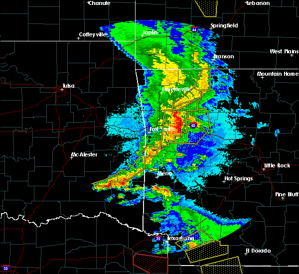 Radar Image for Severe Thunderstorms near St. Paul, AR at 4/24/2020 9:07 PM CDT