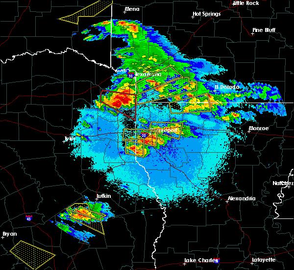 Radar Image for Severe Thunderstorms near Haynesville, LA at 4/24/2020 9:08 PM CDT