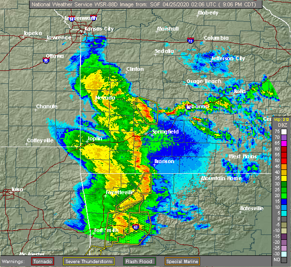 Radar Image for Severe Thunderstorms near Goodnight, MO at 4/24/2020 9:13 PM CDT