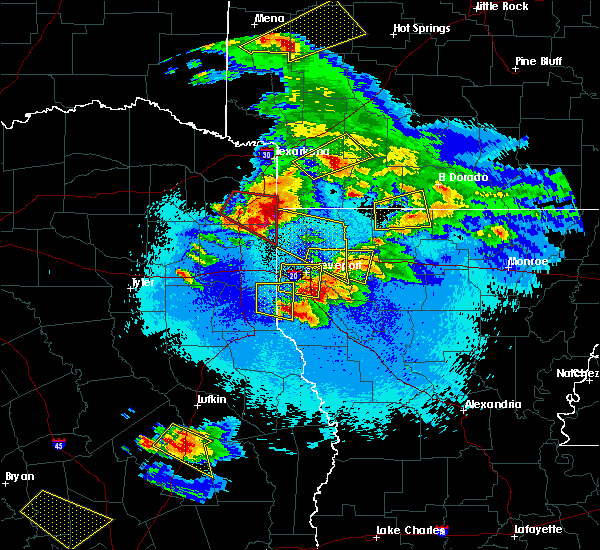 Radar Image for Severe Thunderstorms near Keachi, LA at 4/24/2020 9:25 PM CDT