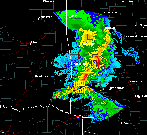 Radar Image for Severe Thunderstorms near New Blaine, AR at 4/24/2020 9:33 PM CDT