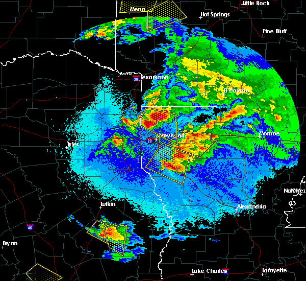 Radar Image for Severe Thunderstorms near Lakeview, LA at 4/24/2020 9:44 PM CDT