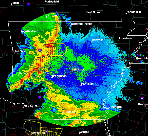 Radar Image for Severe Thunderstorms near Dover, AR at 4/24/2020 10:03 PM CDT