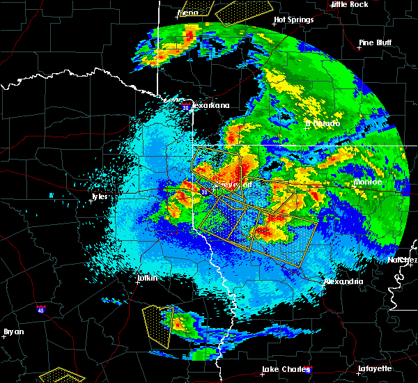 Radar Image for Severe Thunderstorms near Eastwood, LA at 4/24/2020 10:05 PM CDT