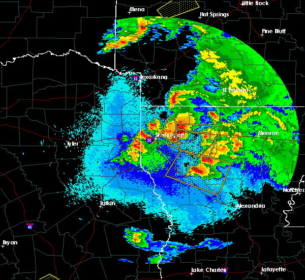 Radar Image for Severe Thunderstorms near Keachi, LA at 4/24/2020 10:14 PM CDT