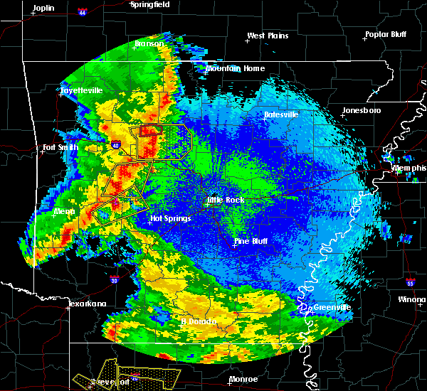 Radar Image for Severe Thunderstorms near Hot Springs Village, AR at 4/24/2020 10:16 PM CDT