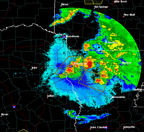 Radar Image for Severe Thunderstorms near Bryceland, LA at 4/24/2020 10:24 PM CDT
