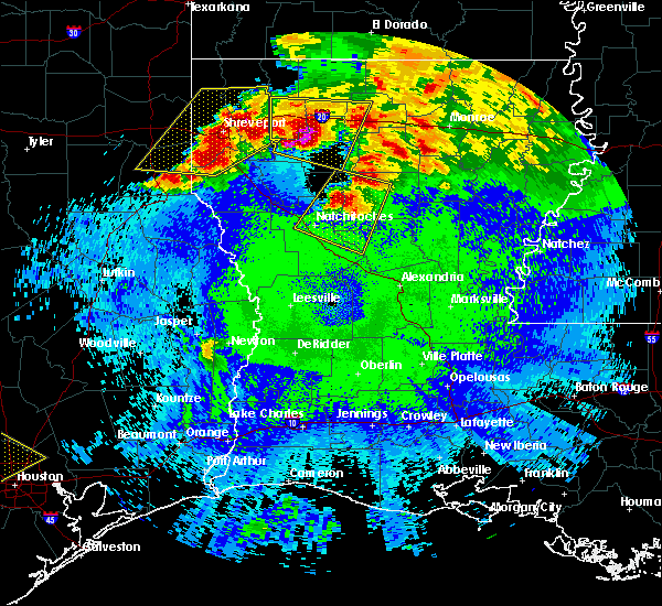Radar Image for Severe Thunderstorms near Calvin, LA at 4/24/2020 10:26 PM CDT