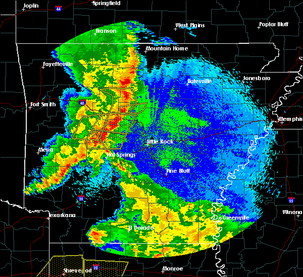 Radar Image for Severe Thunderstorms near Center Ridge, AR at 4/24/2020 10:32 PM CDT