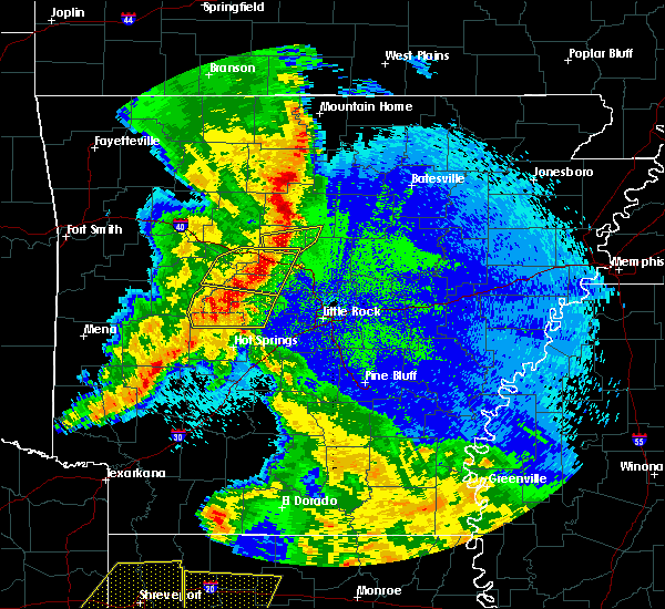 Radar Image for Severe Thunderstorms near Little Rock, AR at 4/24/2020 10:40 PM CDT