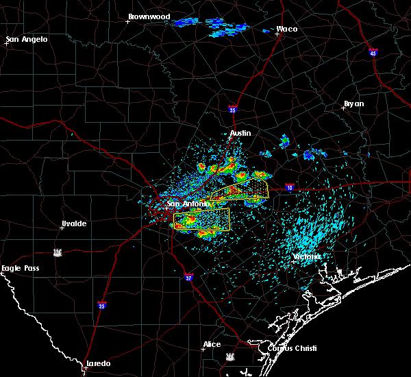 Radar Image for Severe Thunderstorms near Seguin, TX at 4/25/2020 11:35 AM CDT