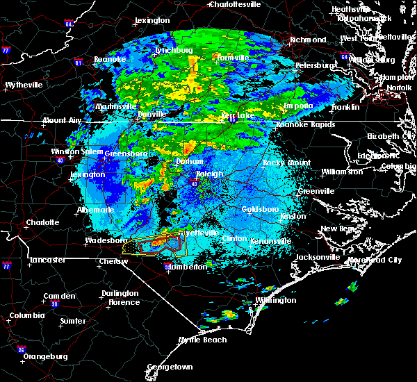 Radar Image for Severe Thunderstorms near Fayetteville, NC at 4/26/2020 1:22 AM EDT