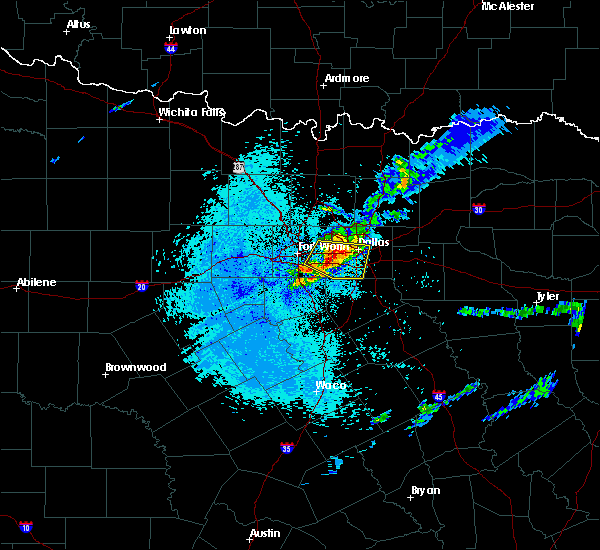 Radar Image for Severe Thunderstorms near Cleburne, TX at 4/28/2020 5:13 AM CDT