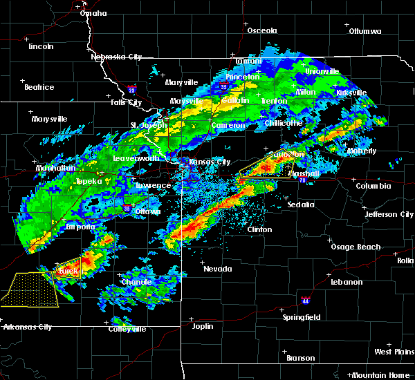 Radar Image for Severe Thunderstorms near Malta Bend, MO at 4/28/2020 3:39 PM CDT
