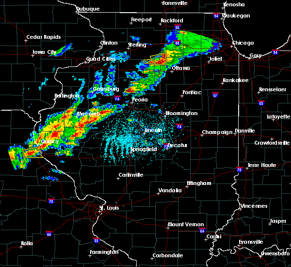 Radar Image for Severe Thunderstorms near Henry, IL at 4/28/2020 4:31 PM CDT