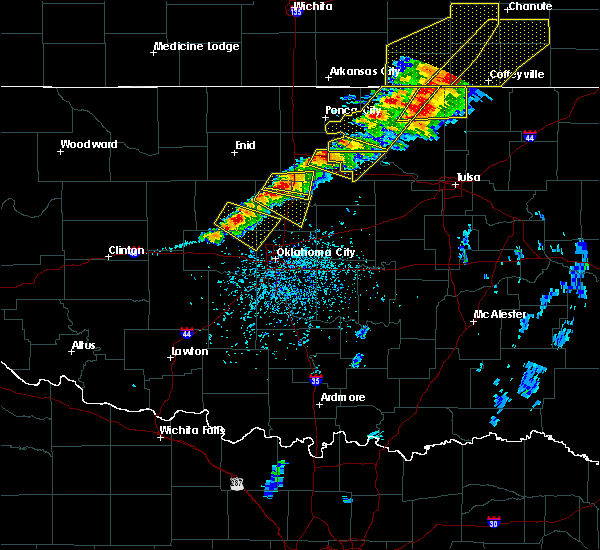 Radar Image for Severe Thunderstorms near Mulhall, OK at 4/28/2020 4:52 PM CDT
