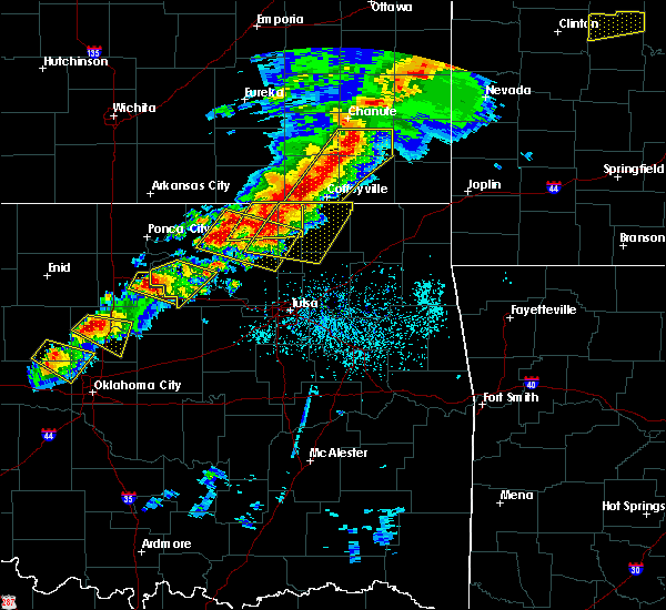 Radar Image for Severe Thunderstorms near Neodesha, KS at 4/28/2020 5:02 PM CDT